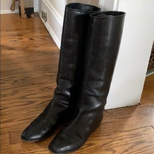 Gorgeous GUCCI auth black leather riding boots 38